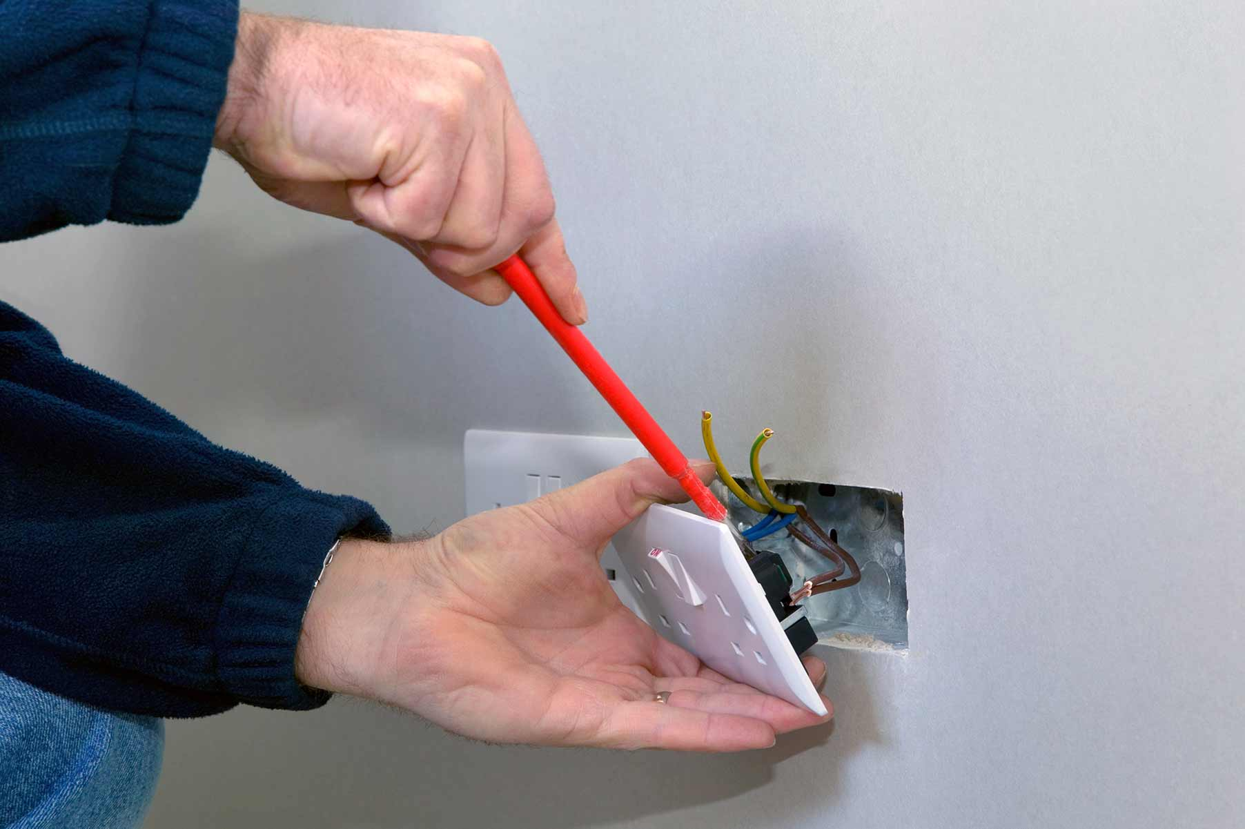 Our electricians can install plug sockets for domestic and commercial proeprties in Canvey Island and the local area.